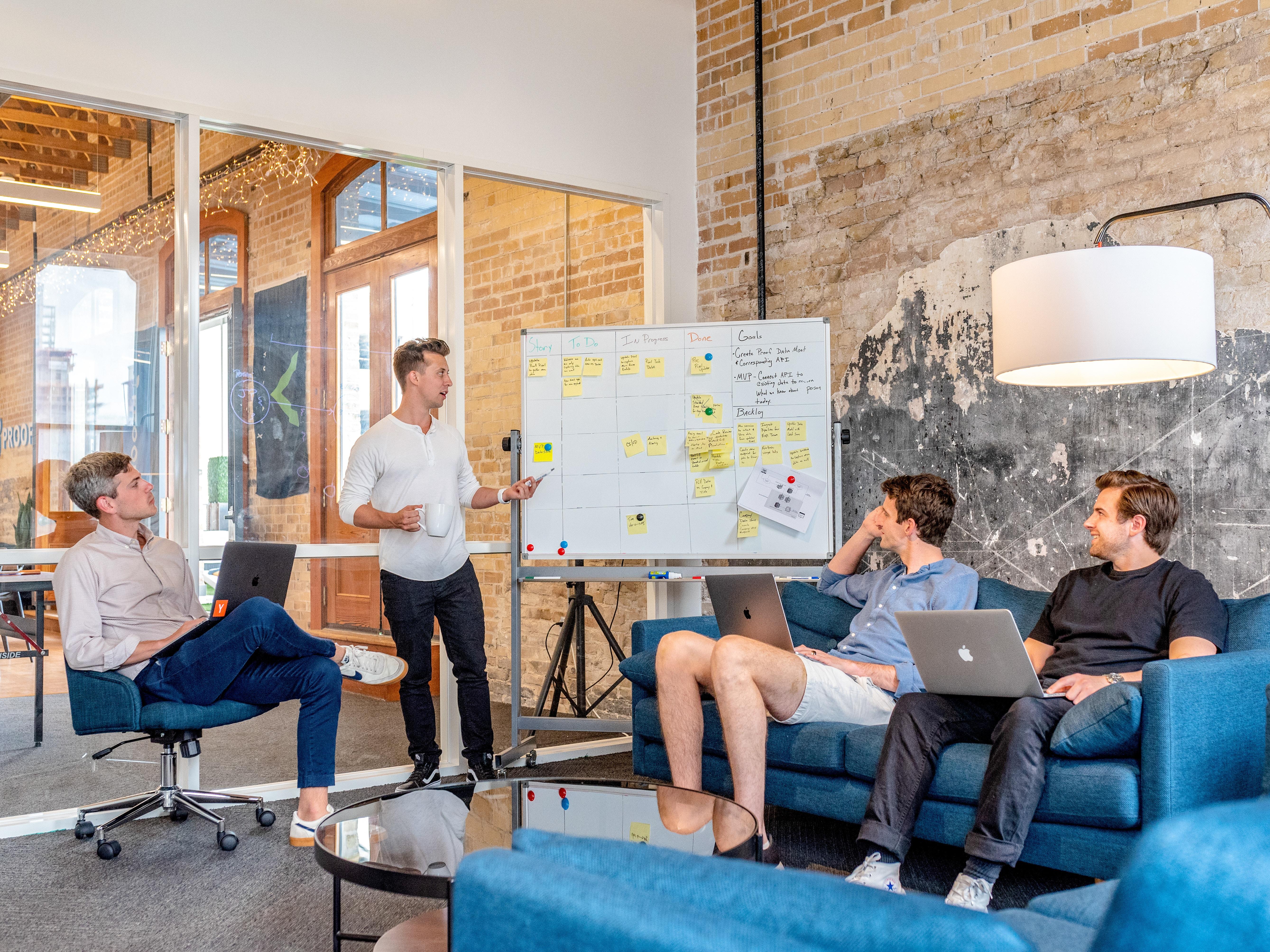 ITのホワイト企業の16の特徴【未経験から転職する会社選びの方法】