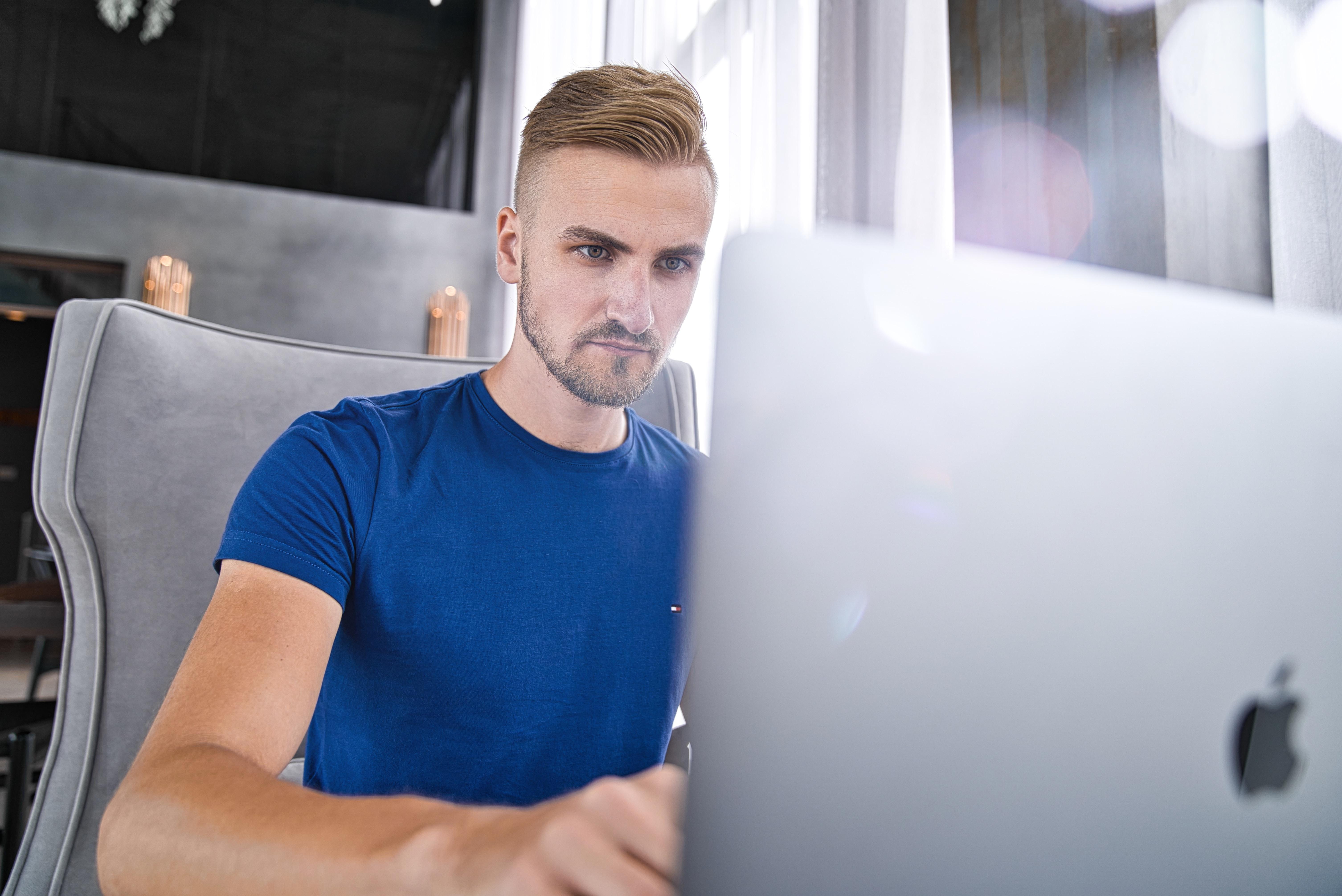 「プログラミングは独学が無理」は嘘【結論、仕事にすれば覚える】