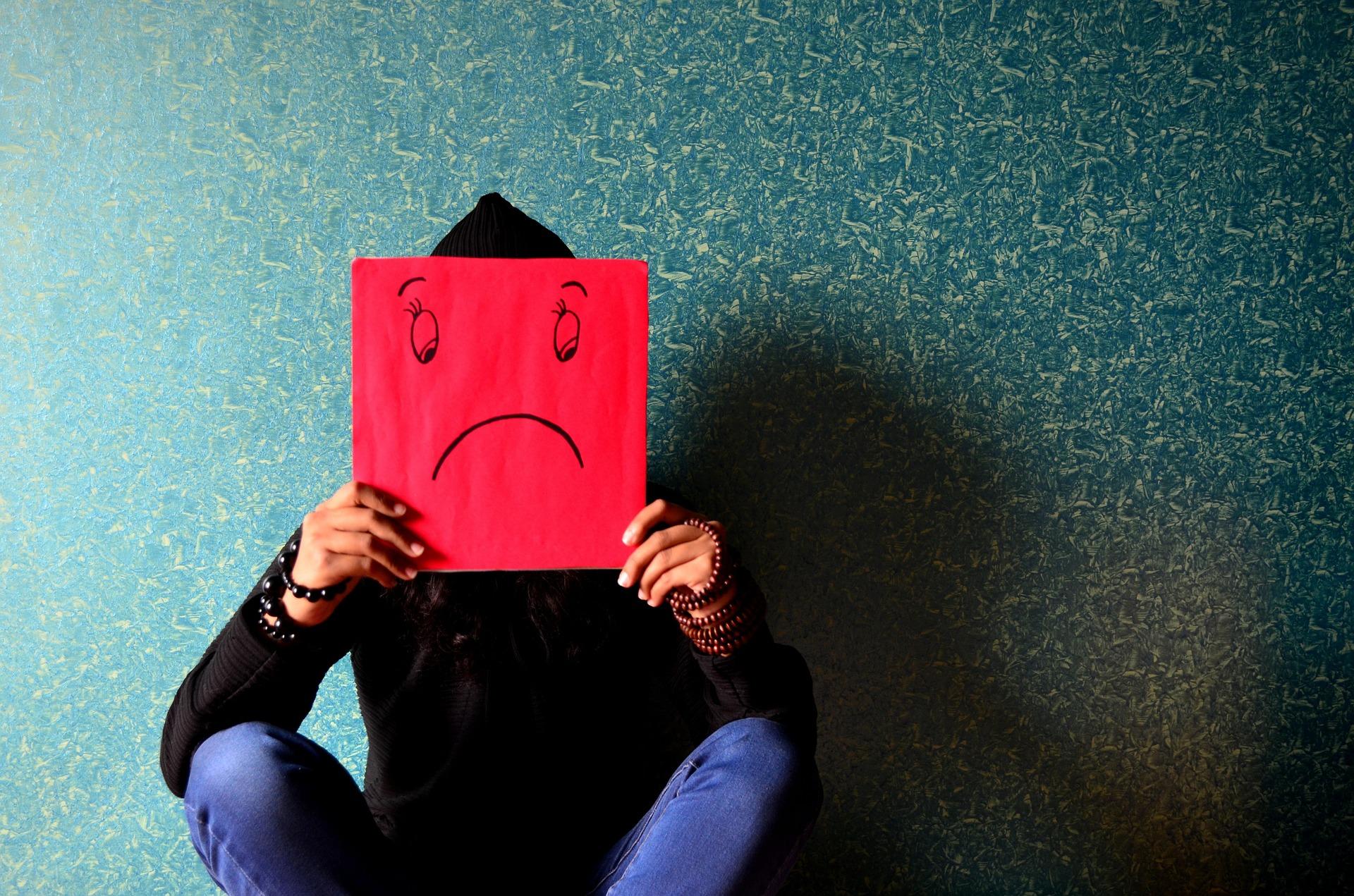 内向的な人に向いてない仕事7選【コミュニケーションが実は苦手】