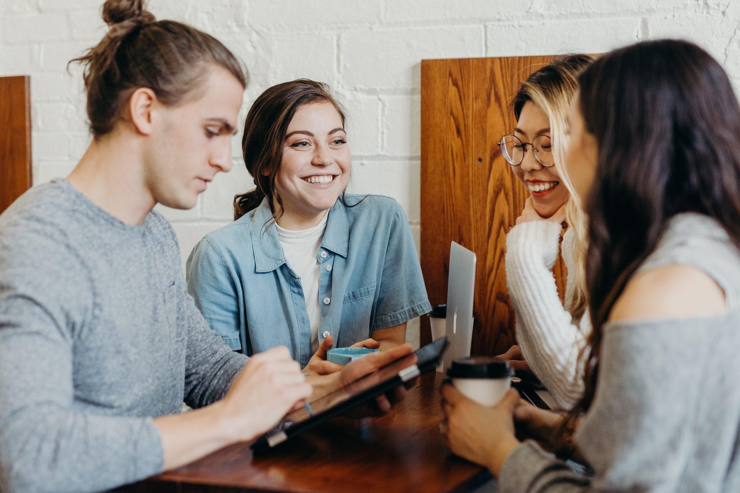 人間関係良い職場の特徴5選【次こそ良い会社を見つける方法】