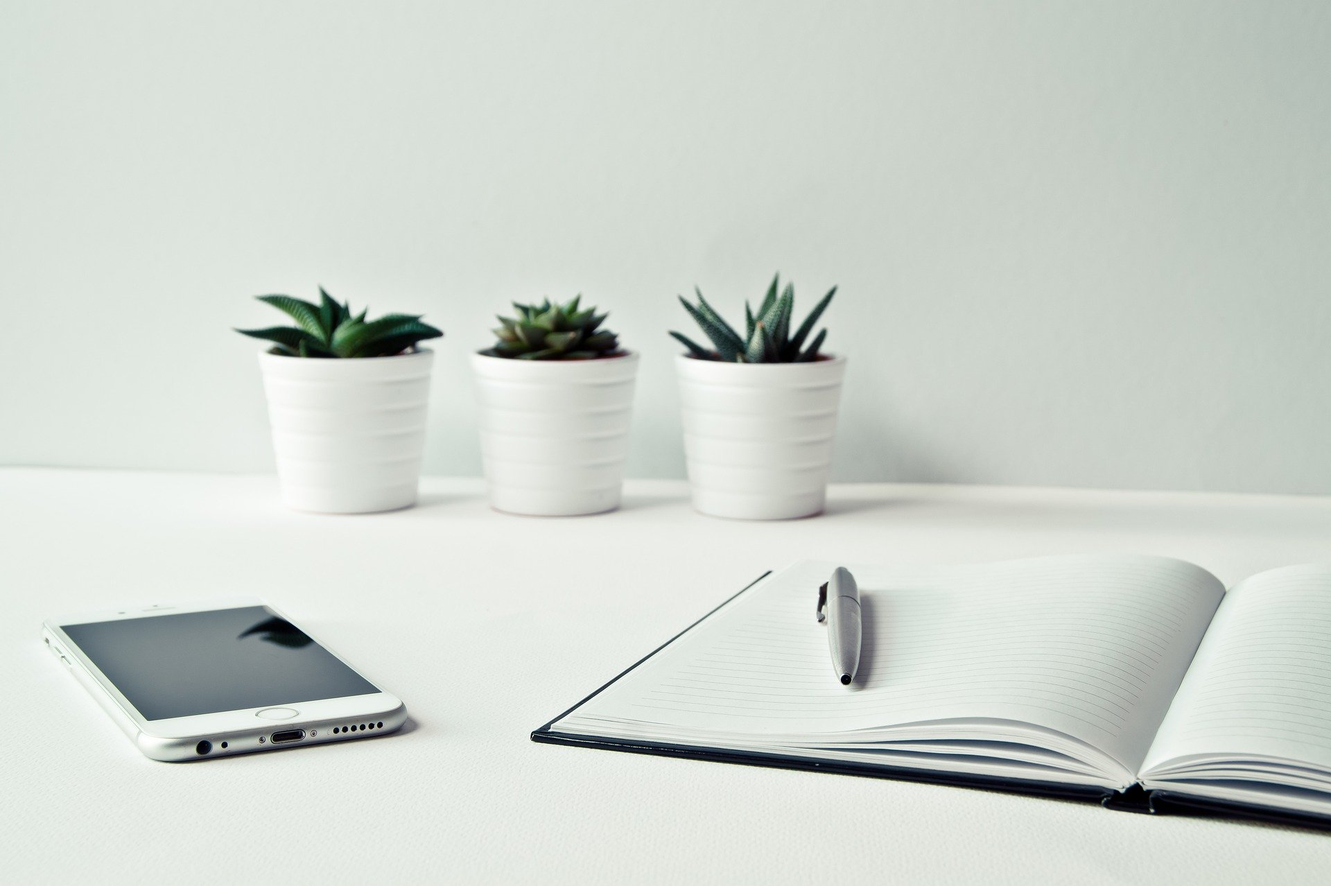 仕事に集中できない原因と解決策を解説