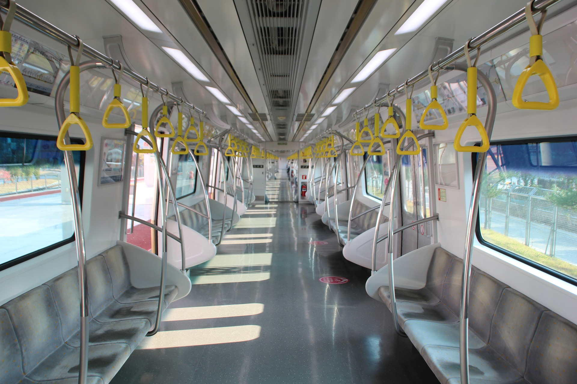 電車通勤のストレス解消法5選【座れれば勝ち】