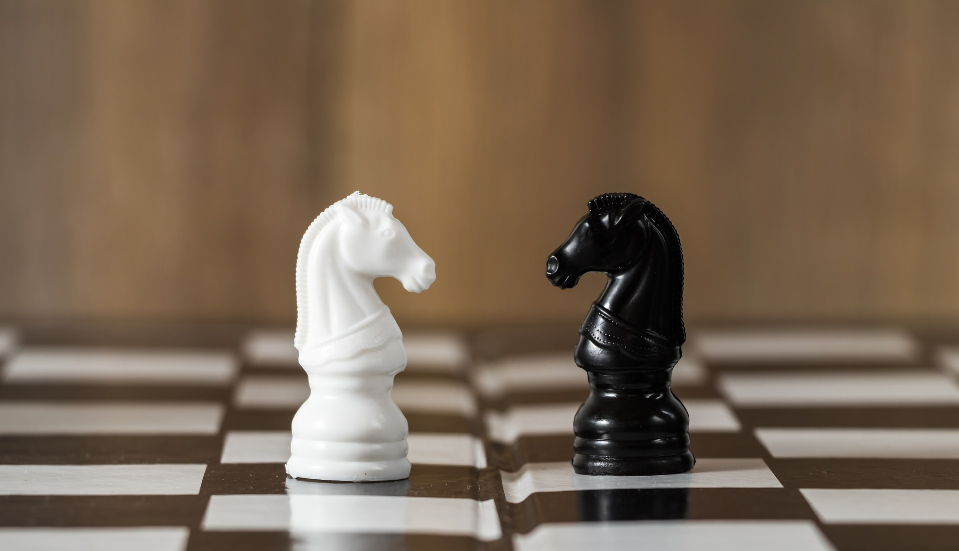 公務員or民間企業、どちらがいいか判断する方法